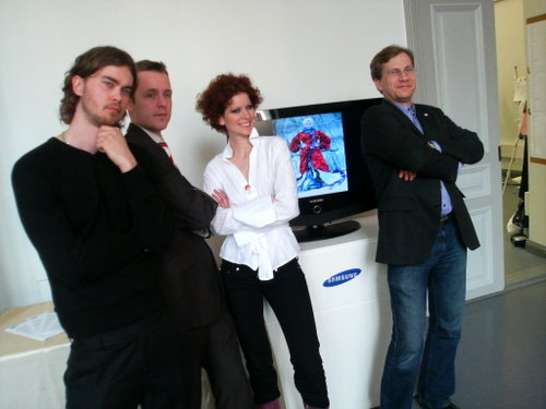 Posing (l to r): Tuomas (photographer, extraordinaire), Toni (publisher, Brand magazine), Anina, and Reidar (marketing dude, Samsung)
